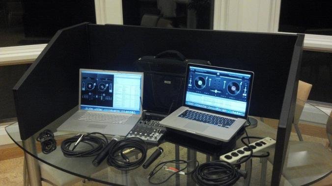 Double Laptop DJ set up - for music library back up at events NEW